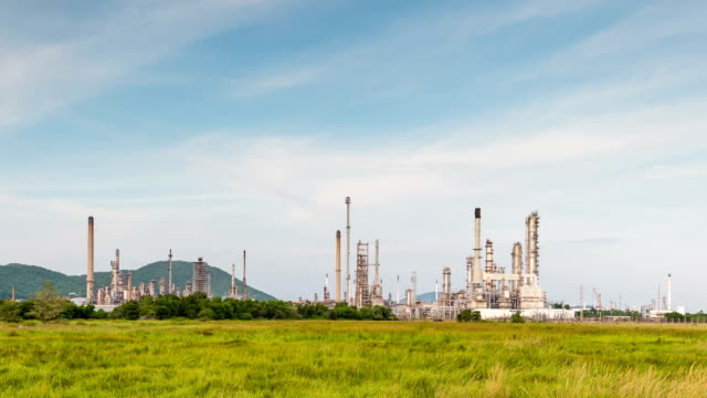 Oil refinery, Time lapse