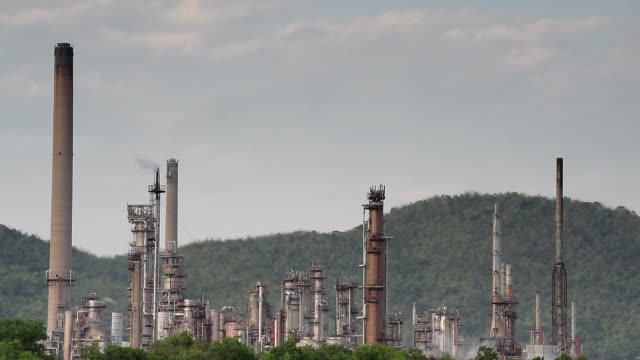 Oil refinery Video at twilight