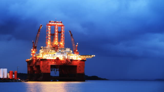 Oil rig in night timelapse