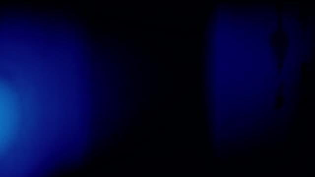 Alt Blau Licht auf Lecks mit Audio-Loops