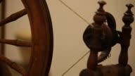 Old spinning wheel loom / Vieux rouet ˆ tisser