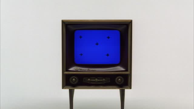 CU ZI Old television set
