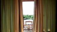 Öffnet am Morgen die Fenster