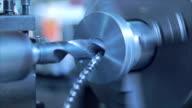 Handhaben der industriellen Drehmaschine