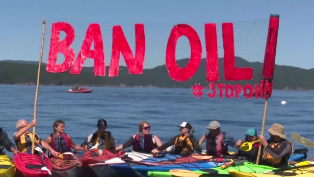 Opponents of a pipeline from Canada's land locked oil sands to the Pacific Coast went to court this week in a desperate bid to stop a major pipeline...