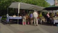 WS PAN Outdoor farmer's market / Lake Oswego, Oregon, USA