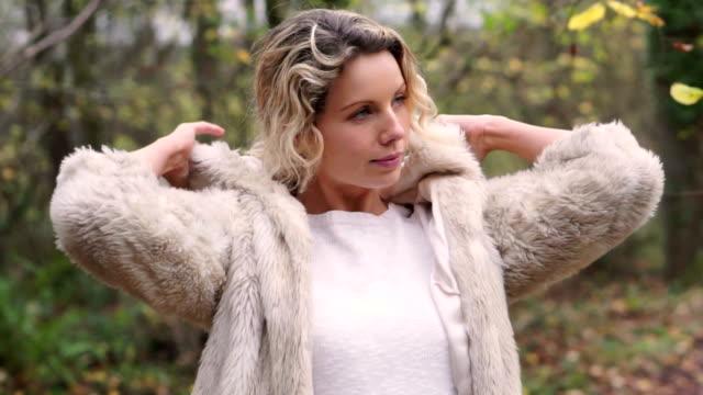 Outdoor fur coat       LI  GL