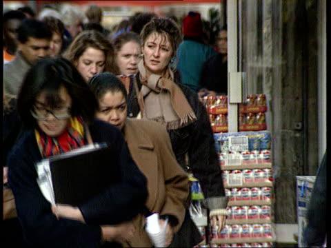 Call for regular screening EXT SEQ Women along in street TX