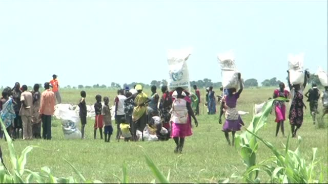 Over 30000 people in South Sudans war zone regions face death by starvation the United Nations said Thursday warning that tens of thousands more are...