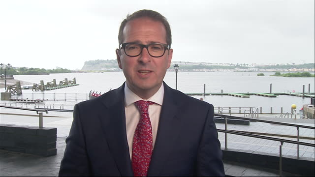 Owen Smith saying he was 'clearly wrong' about Jeremy Corbyn's ability to lead the Labour party after the General election and that he 'takes his hat...