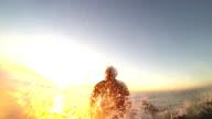 Pagaiare fuori al tramonto