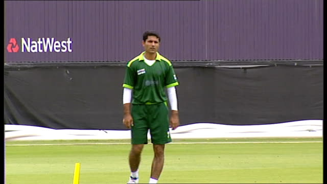 Shahid Afridi press conference / training session Catching practice continues / wicket keeper practising