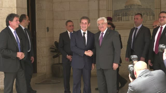 Palestinian President Mahmud Abbas met on Monday with Former French president Nicolas Sarkozy in the West Bank city of Ramallah