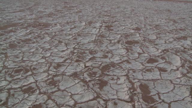 Pan across cracked earth, Sossusvlei, Namib-Naukluft, Namibia