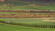 pan across tuscan farmstead orcia valley 2b