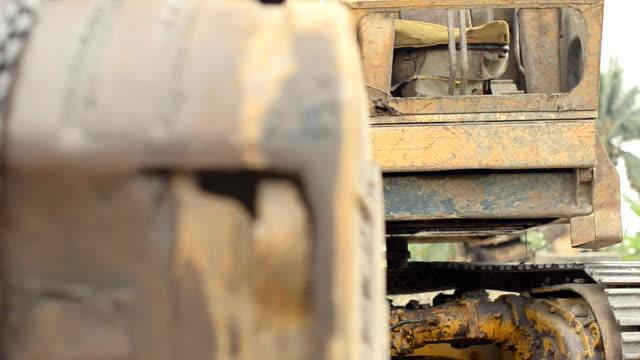 paning : excavators