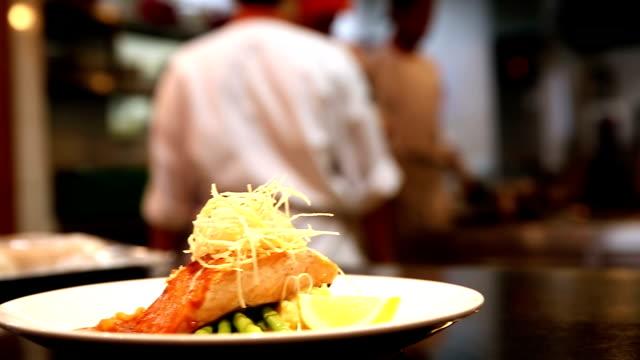HD Panoramica:  Chef cucinare sfondo