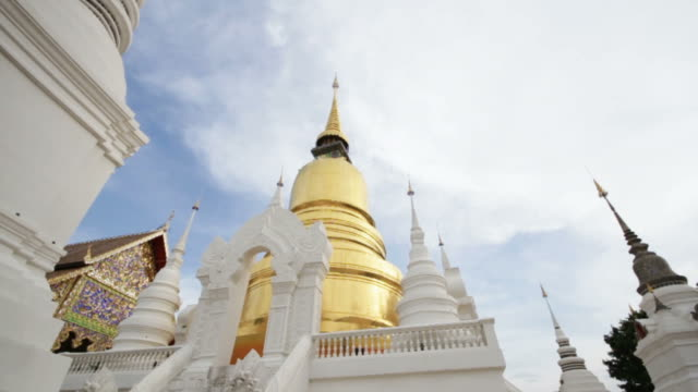HD Panning of Suan Dok Buddhist Temple in Thailand