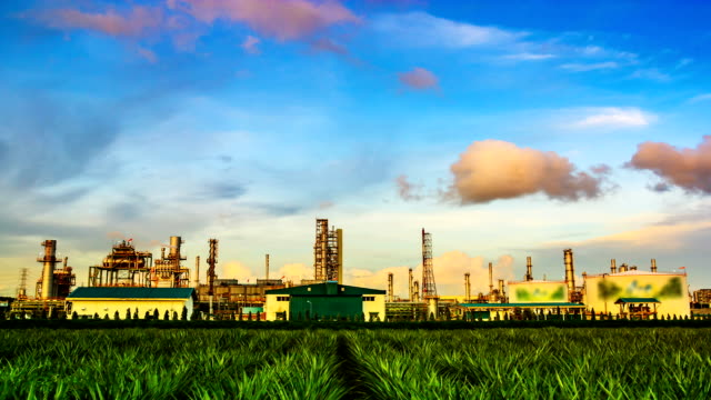 Panning Working of Oil Refinery Plant at Day to Night
