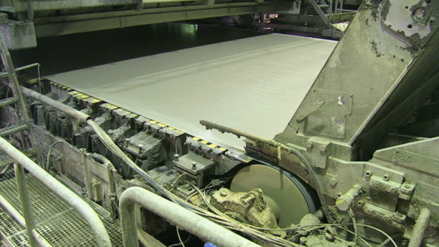 MS TU Paper machine at paper mill / Weener, Lower Saxony, Germany