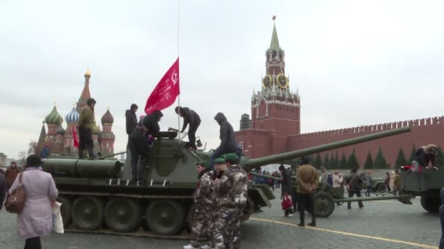 A parade in honor of the legendary military parade of November 7 1941 was held on the Red Square in Moscow