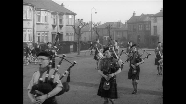 MONTAGE Parade of Scottish band playing drums and bagpipes