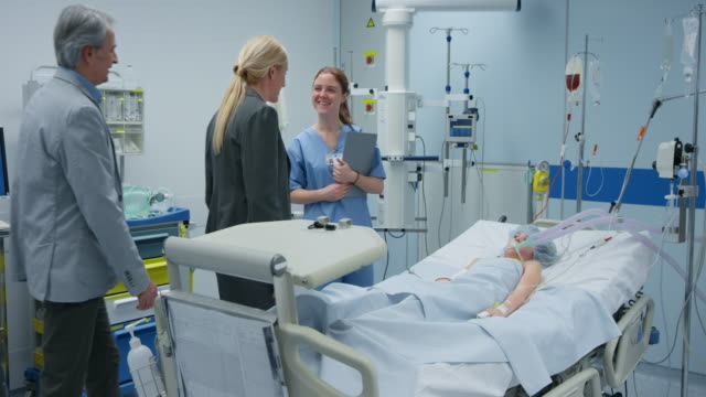DS Parents visiting their daughter on the ICU