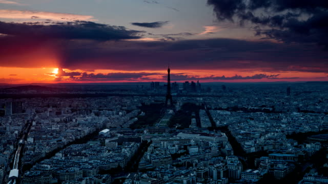 TIME LAPSE: Paris at Sunset