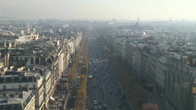 (HD1080i) Paris: Champs-Élysées Towards Place de la Concorde, Zoom In