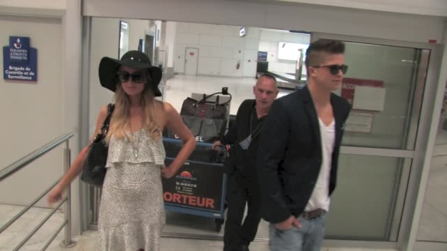 Paris Hilton Happy Landing and warm welcoming at Nice AirportThe tabloid exgoddess is always up to a little paparazzi frenzy…All the best Paris