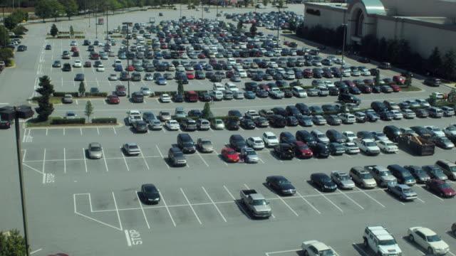 T/L WS HA Parking lot filling up, Dallas, Texas, USA