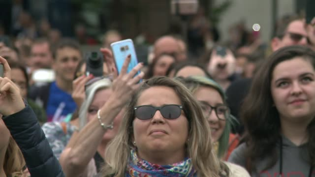 Parliament Square crowds watch Big Ben chime for last time until 2021 ENGLAND London Westminster Parliament Square INT Various shots of crowd in...