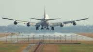 Passenger airplane landing, 4K(UHD)