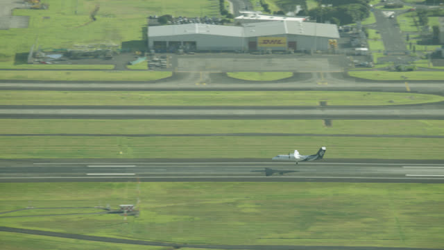Passenger jet arrives at Auckland International Airport