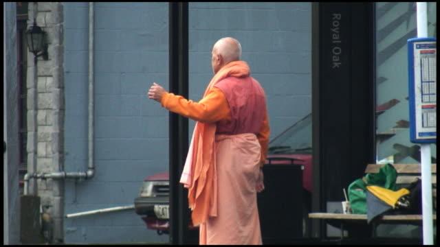 (HD1080i) Patience: Buddhist Monk Hitchhikes