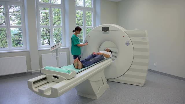 Patient für CT, Scanner
