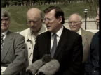 Peace Process Breakthrough on arms NORTHERN IRELAND Belfast EXT David Trimble MP and Ulster Unionist delegation along Ulster Unionist delegation...