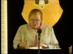 Peace process Parties urged not to boycott review INT Mo Mowlam MP speech SOT Don't know what is in Patten report/ will wait to see it before I pass...