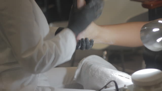 Pedicure exfoliating feet