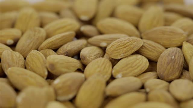 Peeled Almond