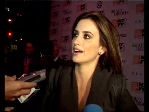 Penelope Cruz comes to the presentation of the Broken Embraces in the New York Film Festival Madrid Spain