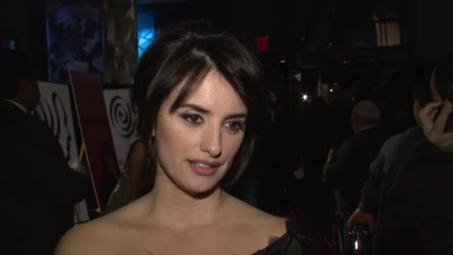 Penelope Cruz receiving the award on working with Spanish director compared with American director on working with Woody Allen and on acting in...