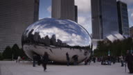 T/L WS People at Cloud Gate sculpture by Anish Kapoor, Millennium Park / Chicago, Illinois, USA