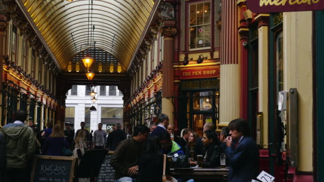 People Meeting For A Drink In London Leadenhall Market (4K/UHD to HD)