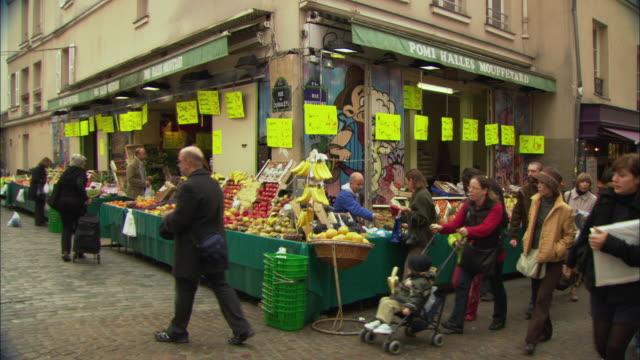 WS People on street market / Paris, France