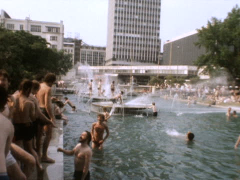 People take advantage of fountains near Hyde Park during the heatwave of 1976