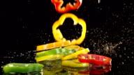 Paprika fallen in Zeitlupe Speisen
