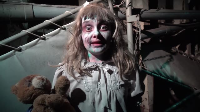"""Performer at the Queen Mary's annual Halloween haunt """"Dark Harbor"""" Long Beach California October 26 2016 The immersive event includes six haunted..."""
