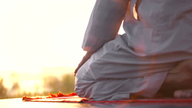 HD: Performing Sujud At Dawn