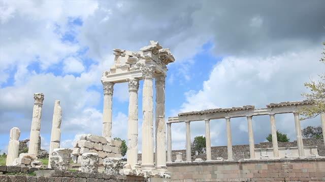 "HD: Pergamon, Türkei ""Trajan-Tempel."